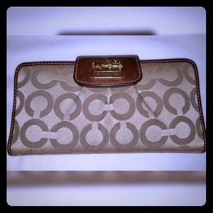 Women's Coach Wallet w/ Checkbook Cover